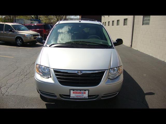 Image 12 of 2007 Chrysler Town &…