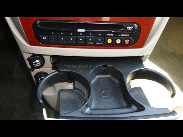 Image 17 of 2007 Chrysler Town &…