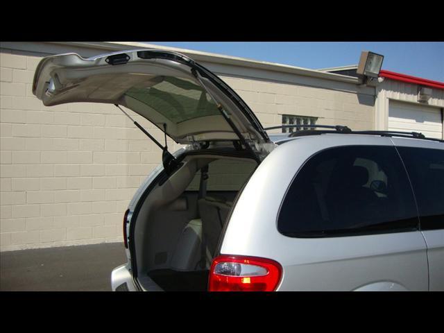 Image 25 of 2007 Chrysler Town &…