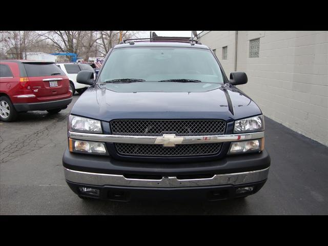 Image 12 of 2004 Chevrolet Avalanche…