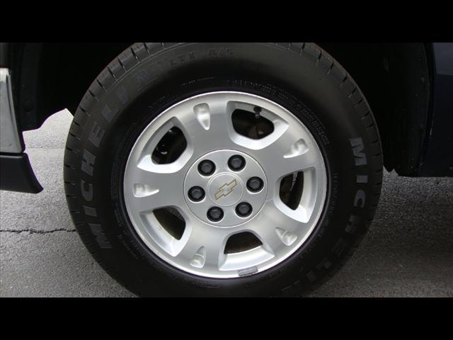 Image 24 of 2004 Chevrolet Avalanche…