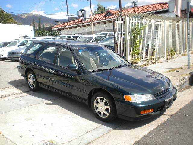 Image 1 of 1995 Honda Accord EX…