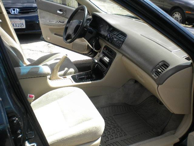 Image 8 of 1995 Honda Accord EX…