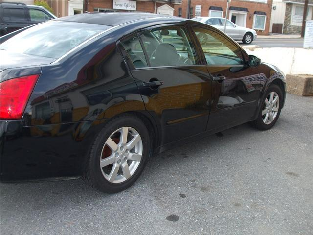 2004 Nissan Maxima