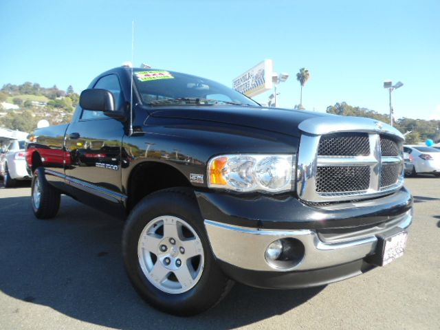 2005 DODGE RAM 1500 SLT LONG BED 4WD black this is a super clean extra low miles slt long bed 4x