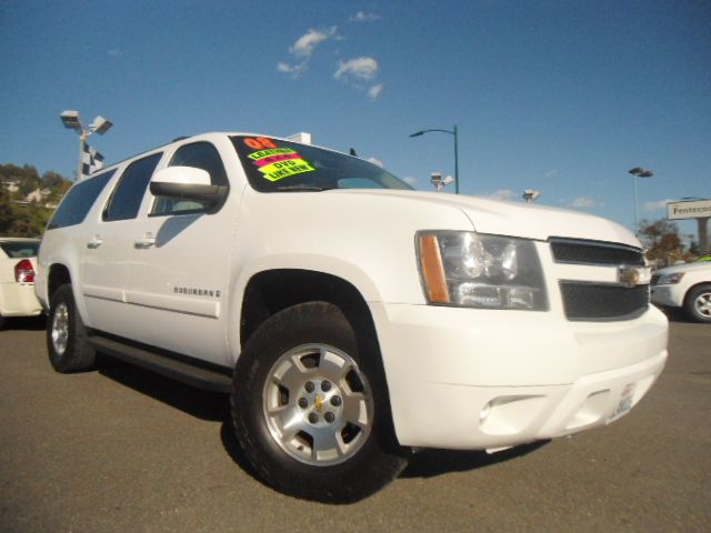 2008 CHEVROLET SUBURBAN LT2 1500 4WD white 4wdawdabs brakesair conditioningalloy wheelsamfm 