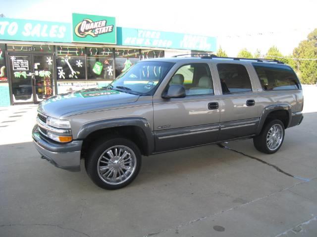 2000 Chevrolet Suburban. 2000 Chevrolet Suburban