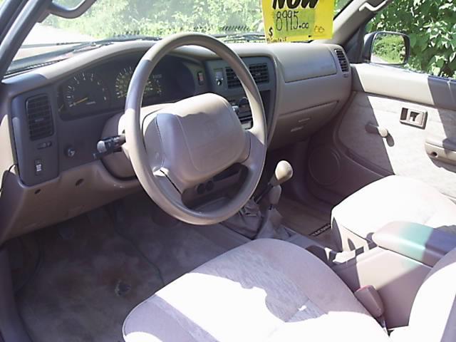Image 5 of 1998 Toyota Tacoma Base…