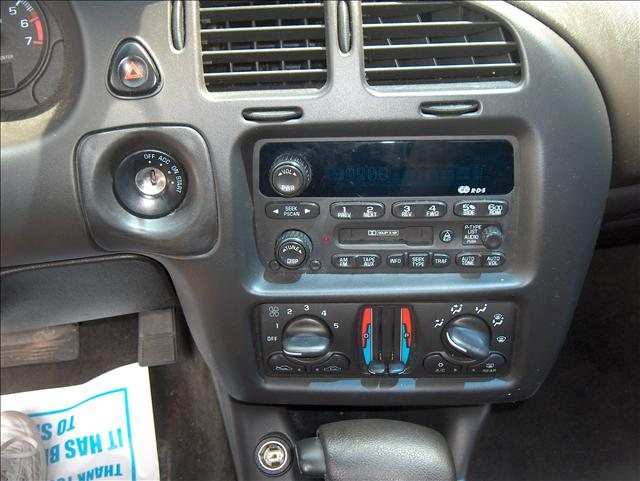 Image 6 of 2000 Chevrolet Monte…