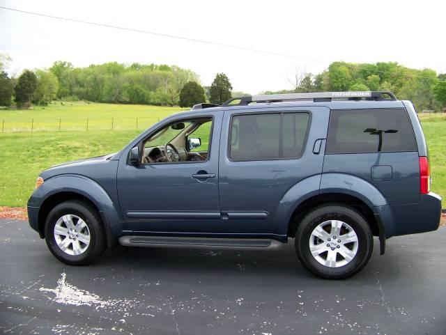 2005 Nissan Pathfinder Le Utility In Etowah Etowah Tennessee