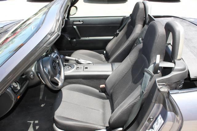 Image 6 of 2006 Mazda MX-5 Miata…