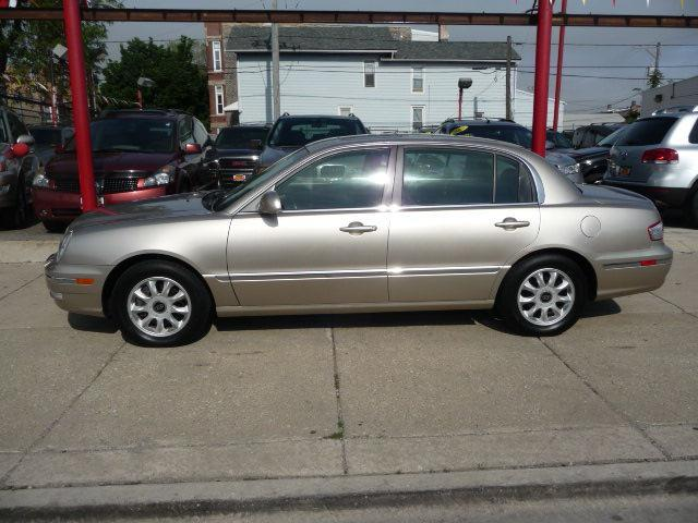 2004 Kia Amanti Base - Chicago IL