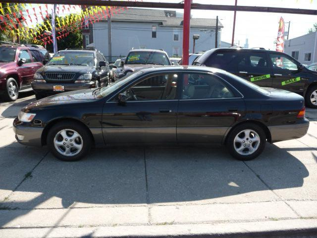 1999 Lexus ES 300 Base - Chicago IL