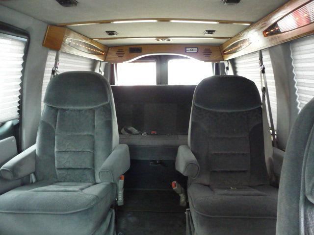2000 Ford Econoline Base - Chicago IL