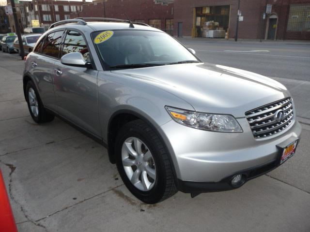 2005 Infiniti FX35