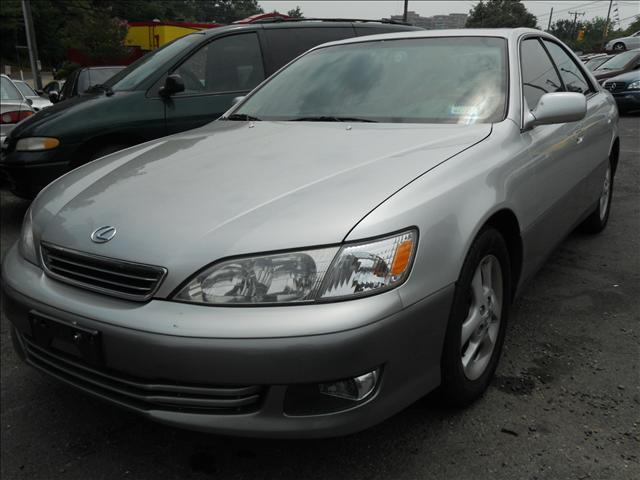 used 2001 lexus es 300 for sale 5049 s chesterfield rd arlington va 22206 used cars for sale. Black Bedroom Furniture Sets. Home Design Ideas