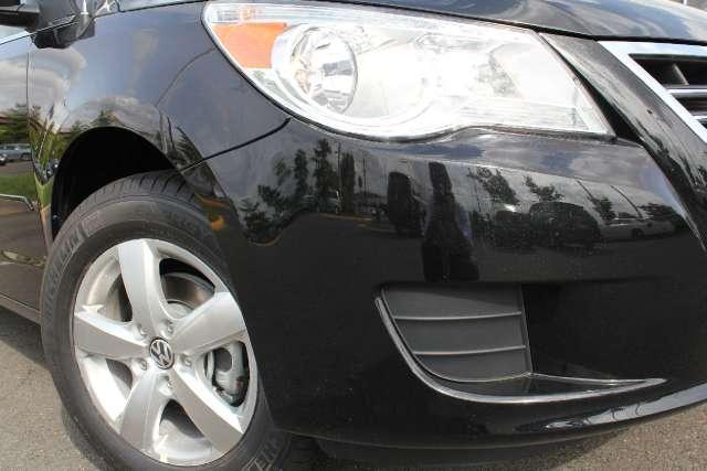 Image 2 of 2011 Volkswagen Routan…
