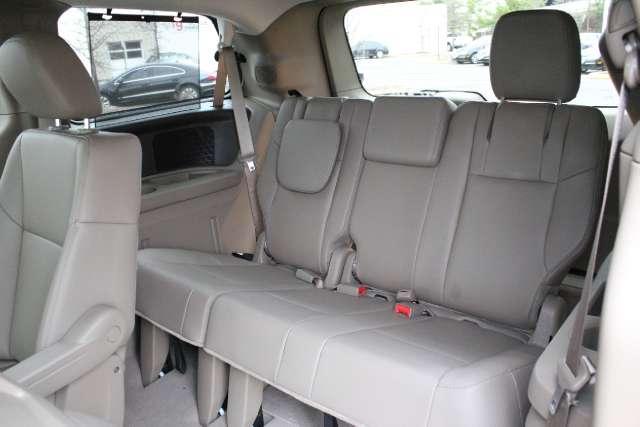 Image 5 of 2011 Volkswagen Routan…