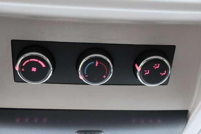 Image 6 of 2011 Volkswagen Routan…