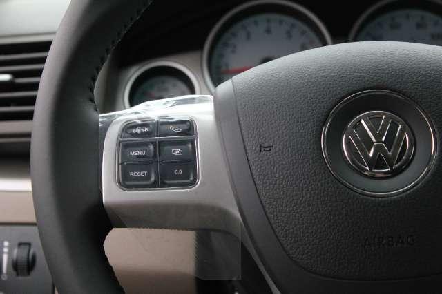 Image 8 of 2011 Volkswagen Routan…