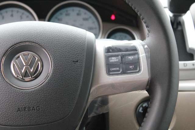 Image 9 of 2011 Volkswagen Routan…