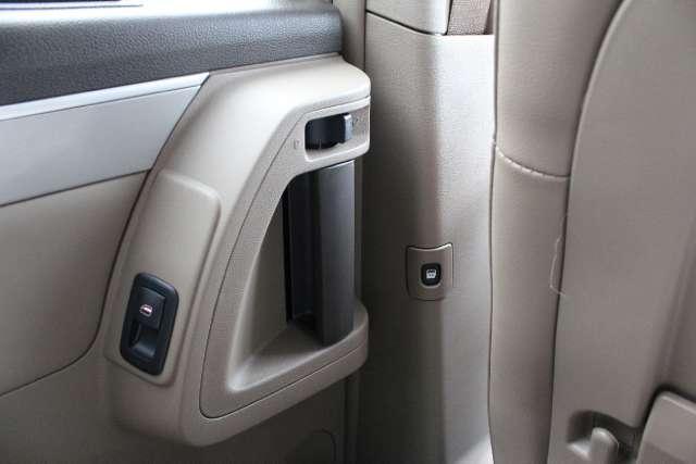 Image 15 of 2011 Volkswagen Routan…