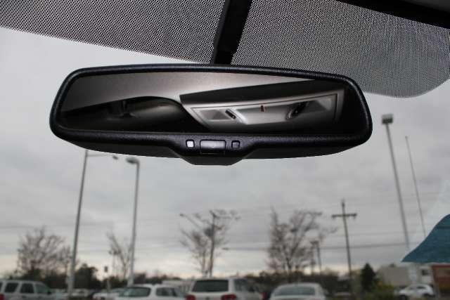 Image 18 of 2011 Volkswagen Routan…