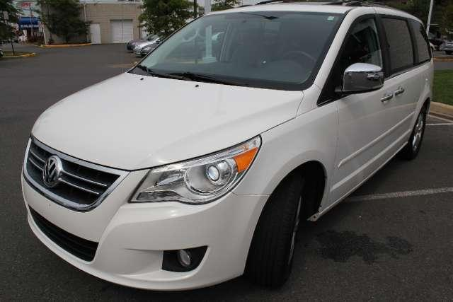 Image 8 of 2010 Volkswagen Routan…