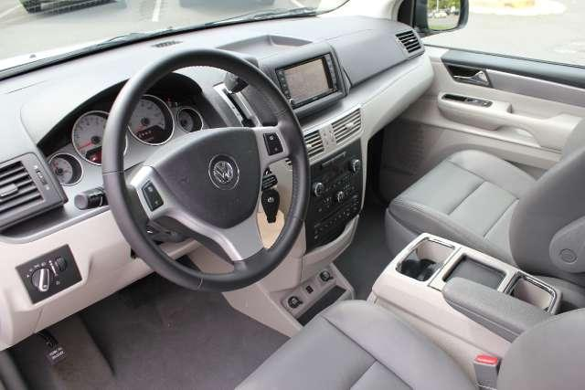 Image 12 of 2010 Volkswagen Routan…
