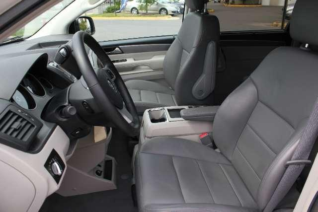 Image 17 of 2010 Volkswagen Routan…