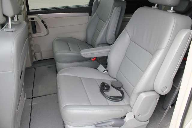 Image 18 of 2010 Volkswagen Routan…