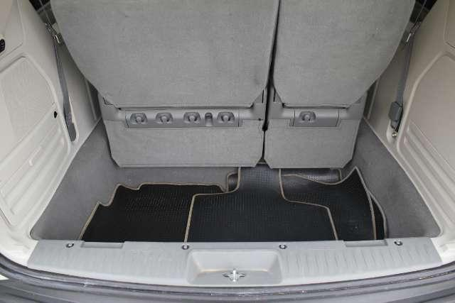Image 20 of 2010 Volkswagen Routan…