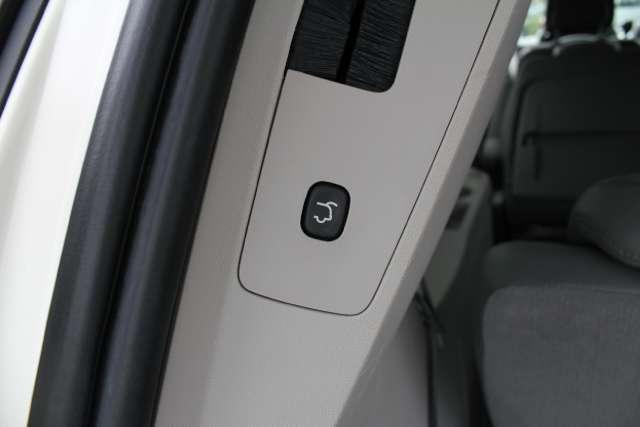 Image 21 of 2010 Volkswagen Routan…