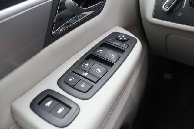 Image 29 of 2010 Volkswagen Routan…