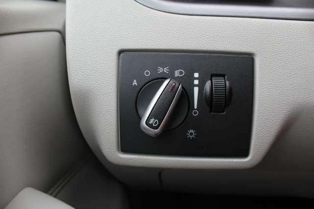Image 30 of 2010 Volkswagen Routan…