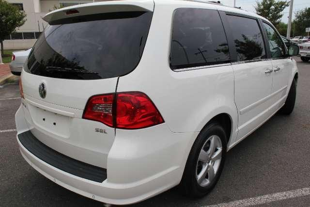 Image 48 of 2010 Volkswagen Routan…