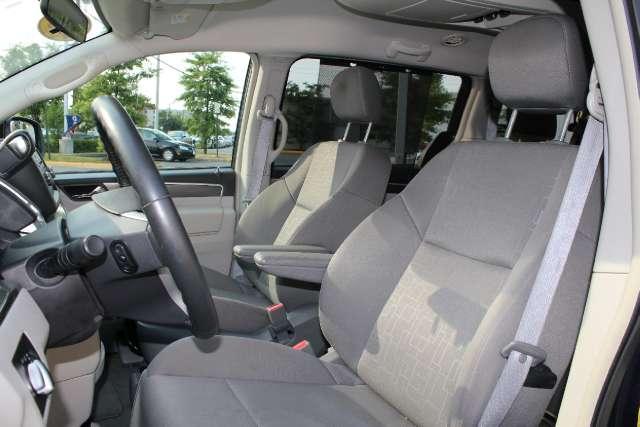 Image 3 of 2009 Volkswagen Routan…