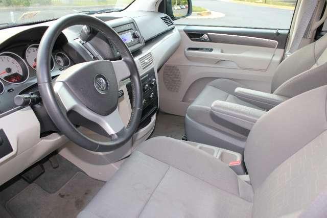 Image 4 of 2009 Volkswagen Routan…