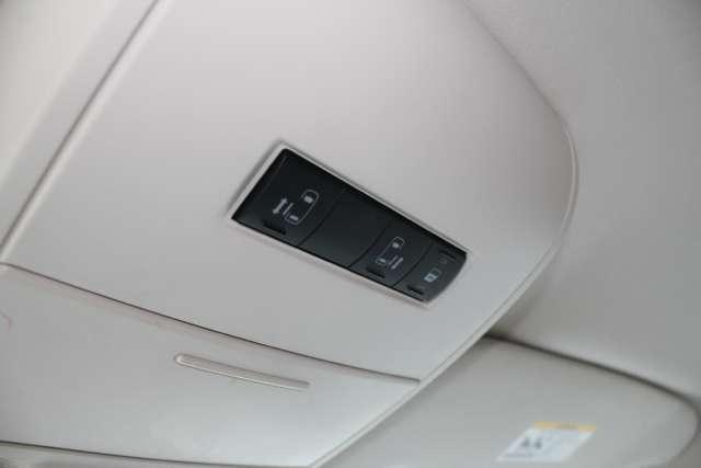 Image 5 of 2009 Volkswagen Routan…