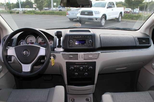 Image 6 of 2009 Volkswagen Routan…