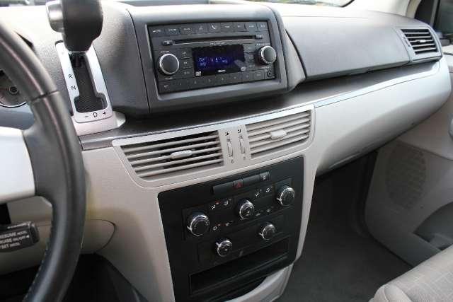 Image 11 of 2009 Volkswagen Routan…