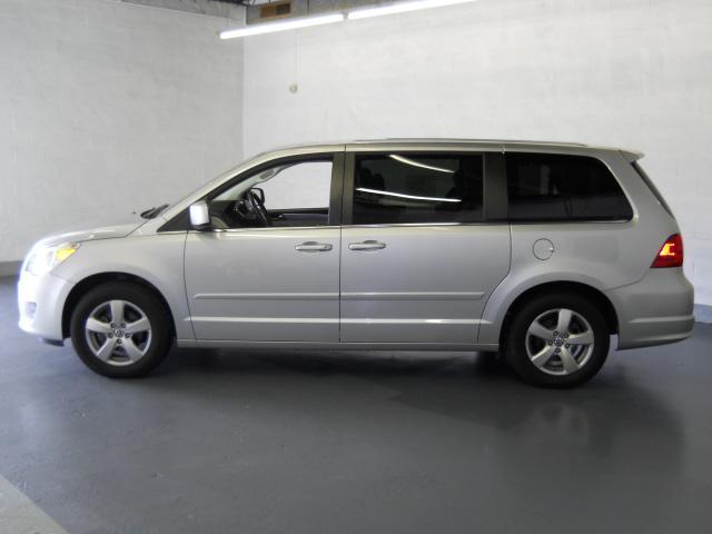 Image 17 of 2009 Volkswagen Routan…