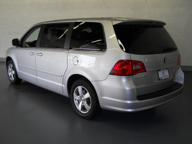 Image 18 of 2009 Volkswagen Routan…