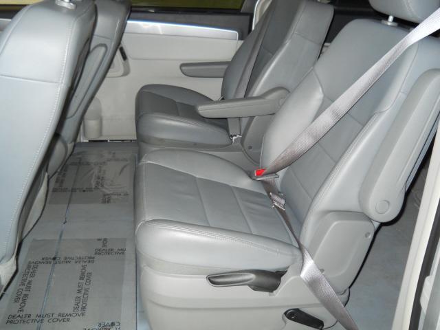Image 20 of 2009 Volkswagen Routan…