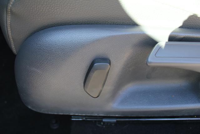 Image 37 of 2009 Volkswagen Jetta…