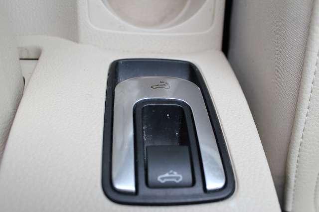 Image 16 of 2008 Volkswagen Eos…