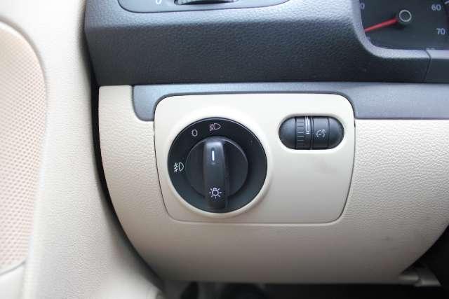 Image 17 of 2008 Volkswagen Eos…