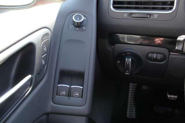 Image 19 of 2011 Volkswagen GTI…