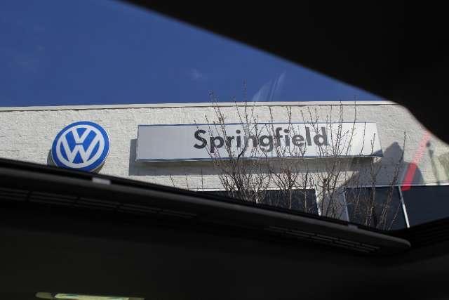 Image 25 of 2011 Volkswagen GTI…
