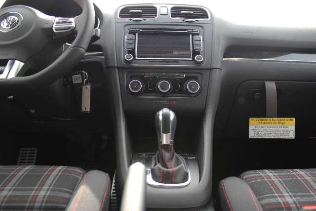 Image 15 of 2011 Volkswagen GTI…